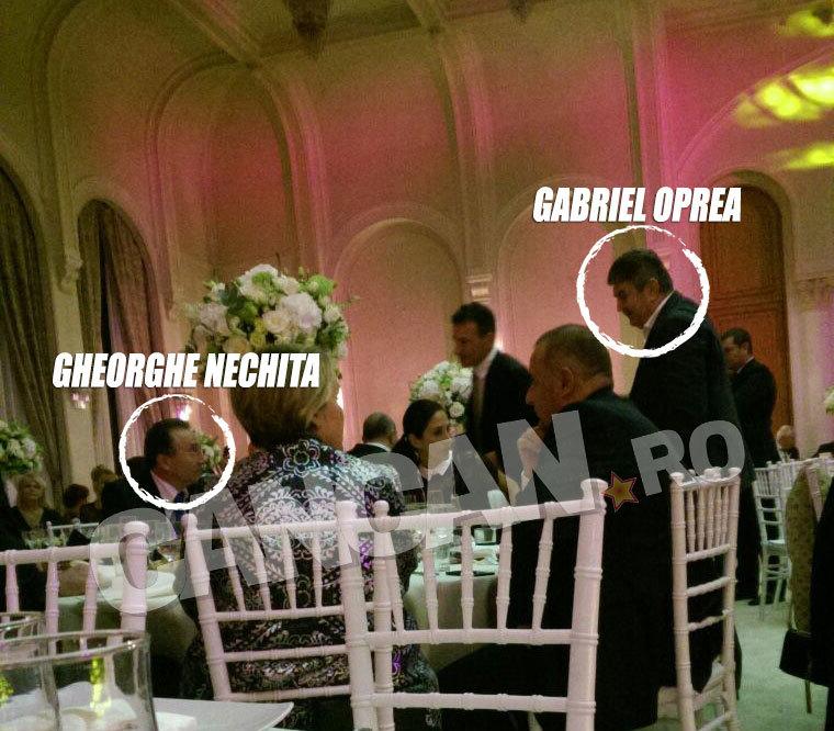 Gabriel Oprea a venit împreună cu fiul său şi s-a întreţinut cu primarul Iaşului