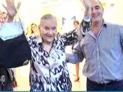 Zina Dumitrescu are 80 de ani şi locuieşte într-un azil