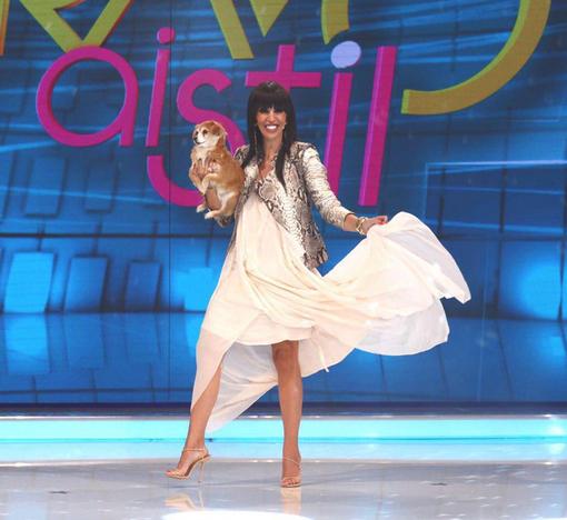Raluca Bădulescu a fost criticată că poartă o jachetă din piele de şarpe, în timp ce se dă mare iubitoare de animale.