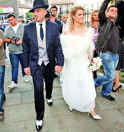 Crbl şi soţia sa sărbătoresc opt ani de la căsătorie.