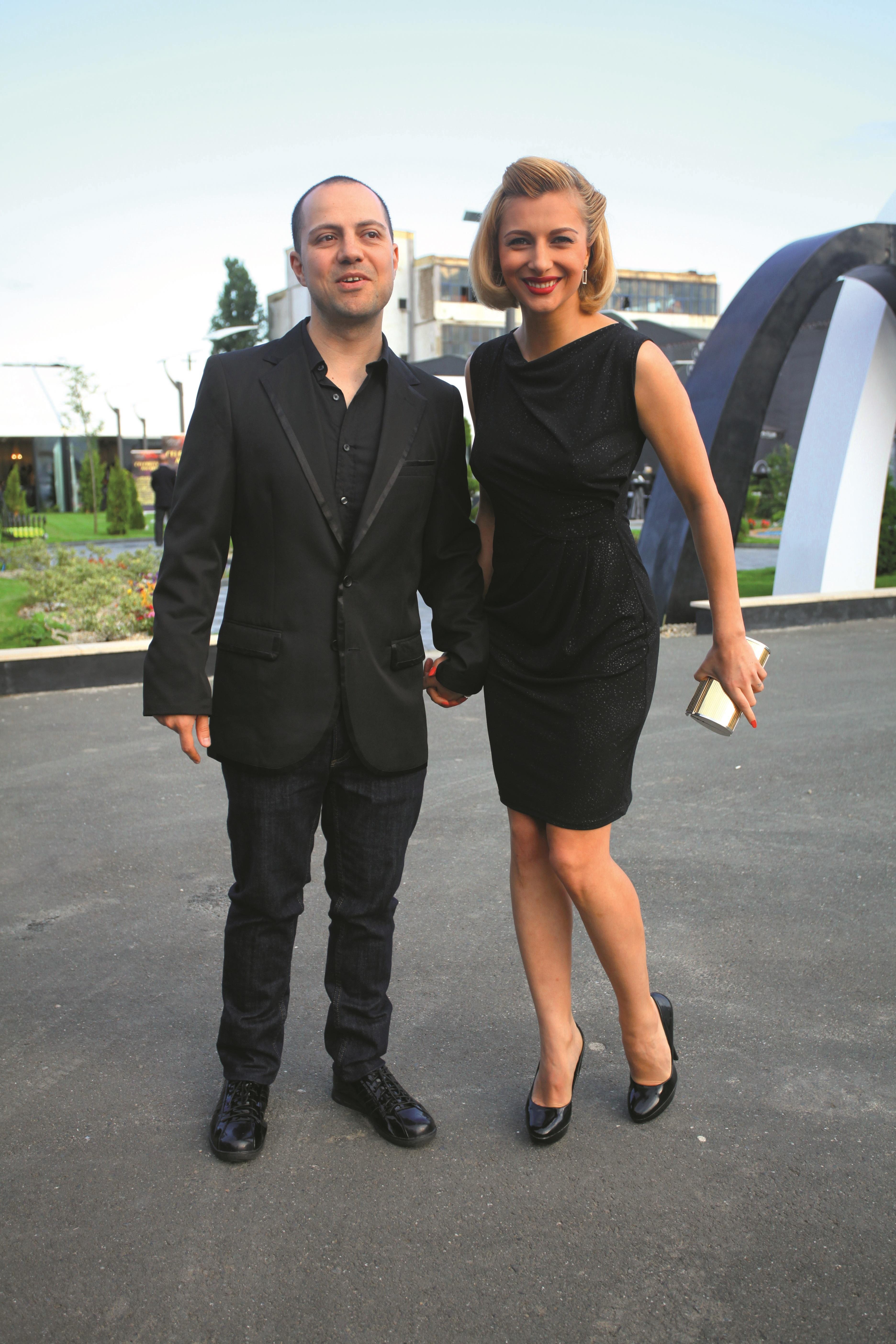 Cântăreaţa şi comediantul Dan Badea au divorţat în 2014, după doi ani de căsnicie