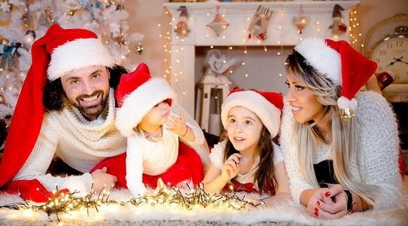 Pepe, împreună cu Raluca şi fiicele lor