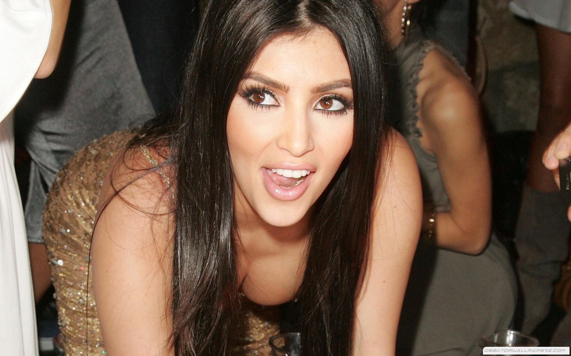 Kim Kardashian se numara printre cele mai sexy femei din lume