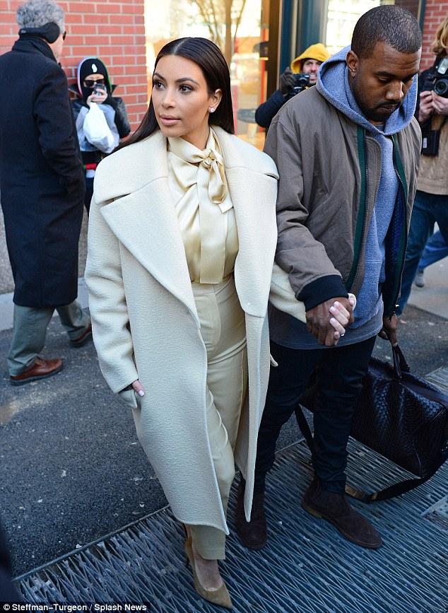 Kim Kardashian a recunoscut cateva dintre operatiile estetioce la care a apelat