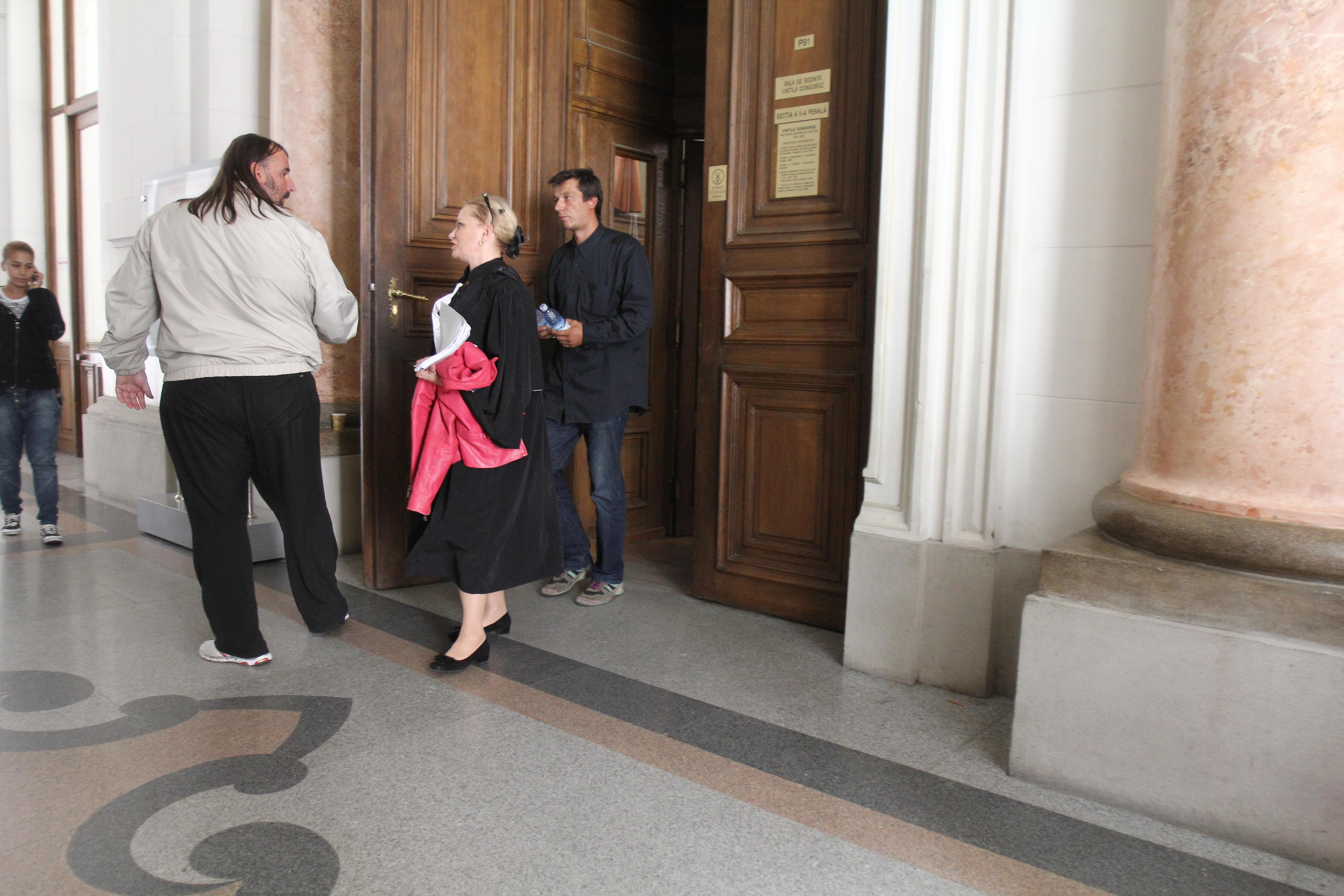 Gabriel Velescu si Aurelian Paven sunt recunoscatori avocatului care i-a scapat de puscarie
