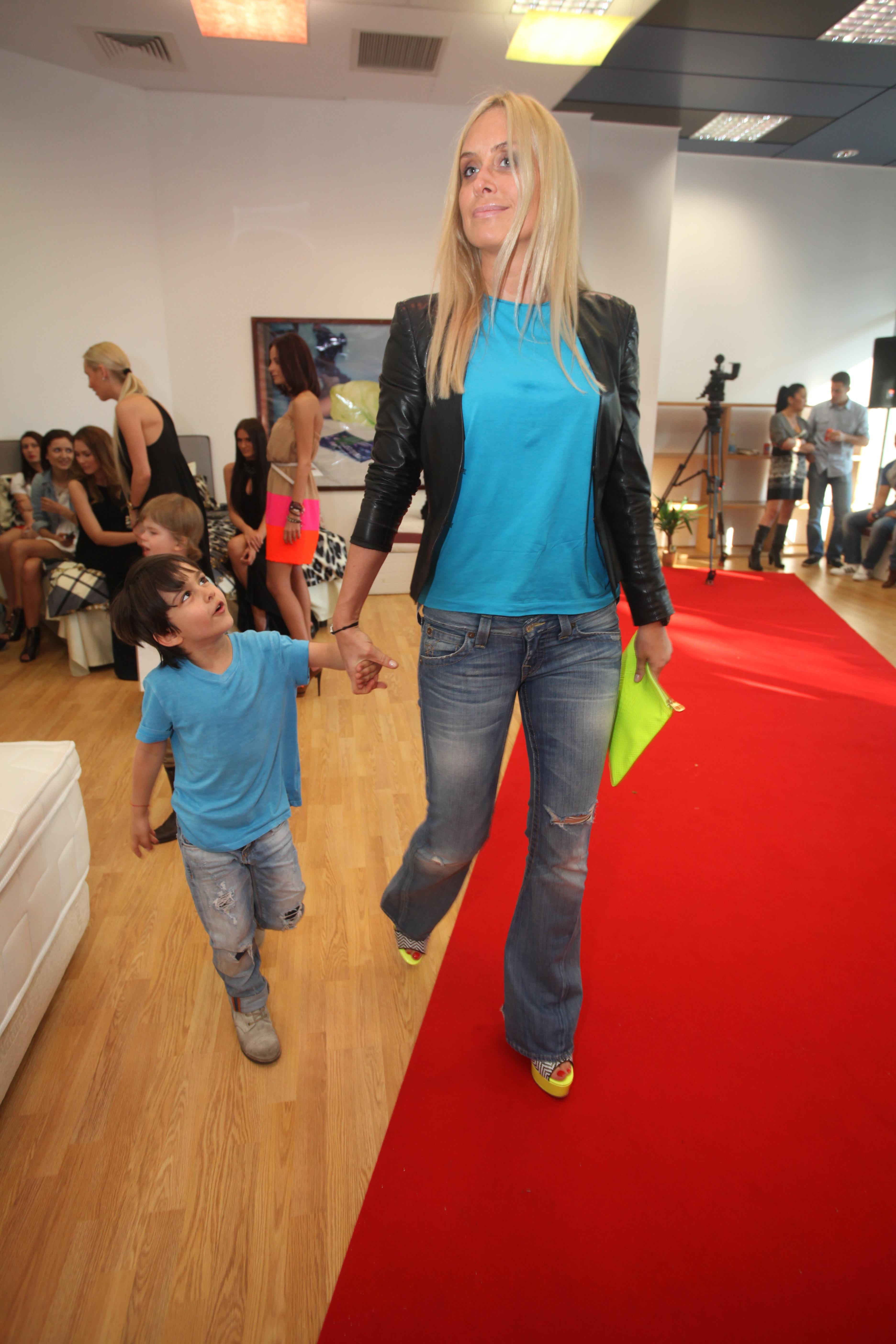 Vica si fiul ei Edan
