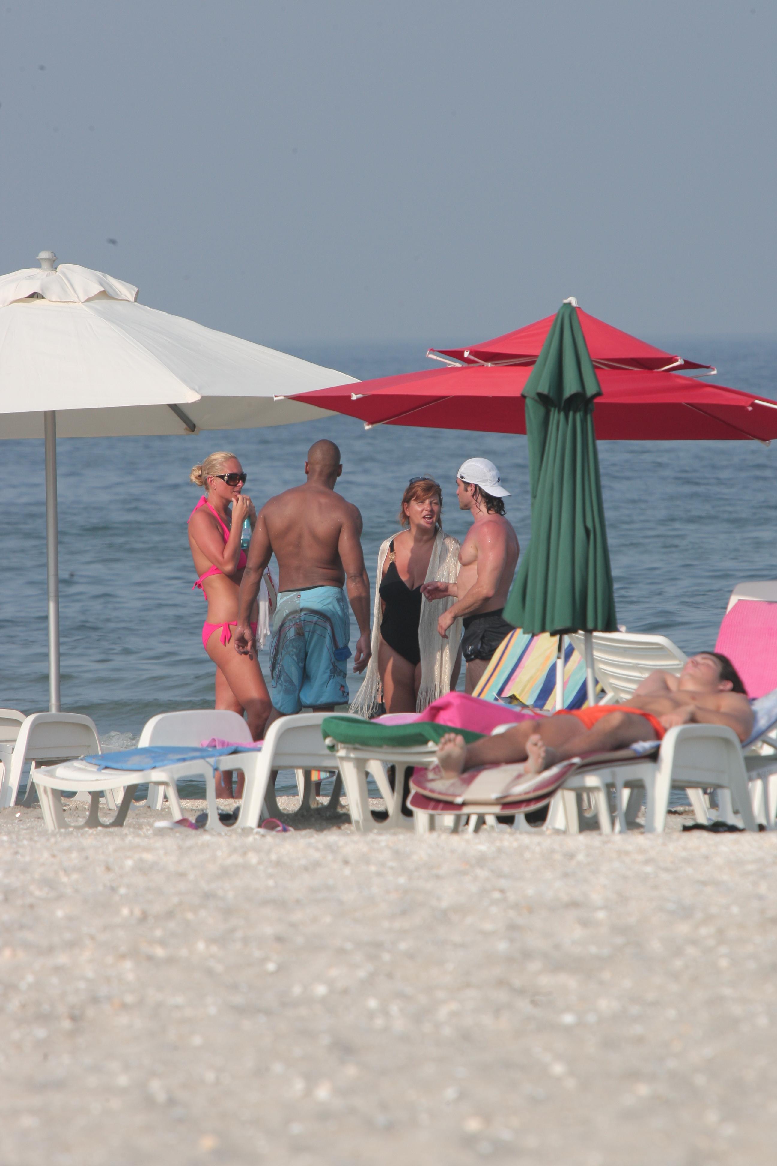 2010 - Vica, intr-o forma de zile mari, la plaja