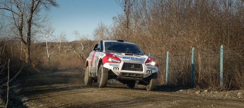 Echipa Casuneanu - Maurilio Zani participa in acest sfarsit de saptaman la prima etapa de Cupa Mondiala de Rally Raid, in Italia