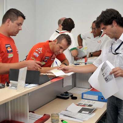 Vineri dimineata, Zani si Casuneanu au completat formularele pentru cursa