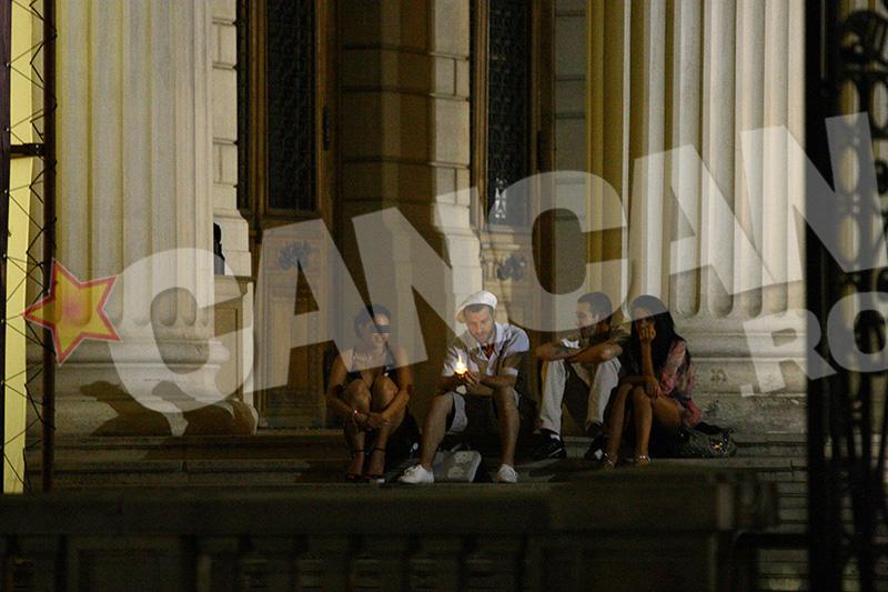 Pacha Man, la o suetă cu câţiva prieteni şi...câteva ţigări