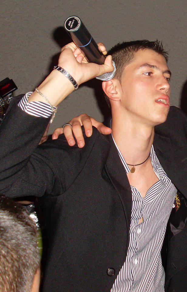 Nicolae Lacatus face furori pe internet cu melodia sa(foto:facebook.com)