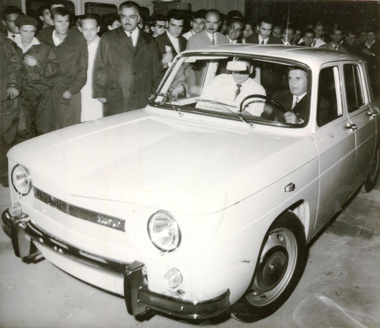 Primul autoturism al fermierul a fost o Dacie 1100, cumparata la mana a doua (Sursa foto Wikipedia.org)