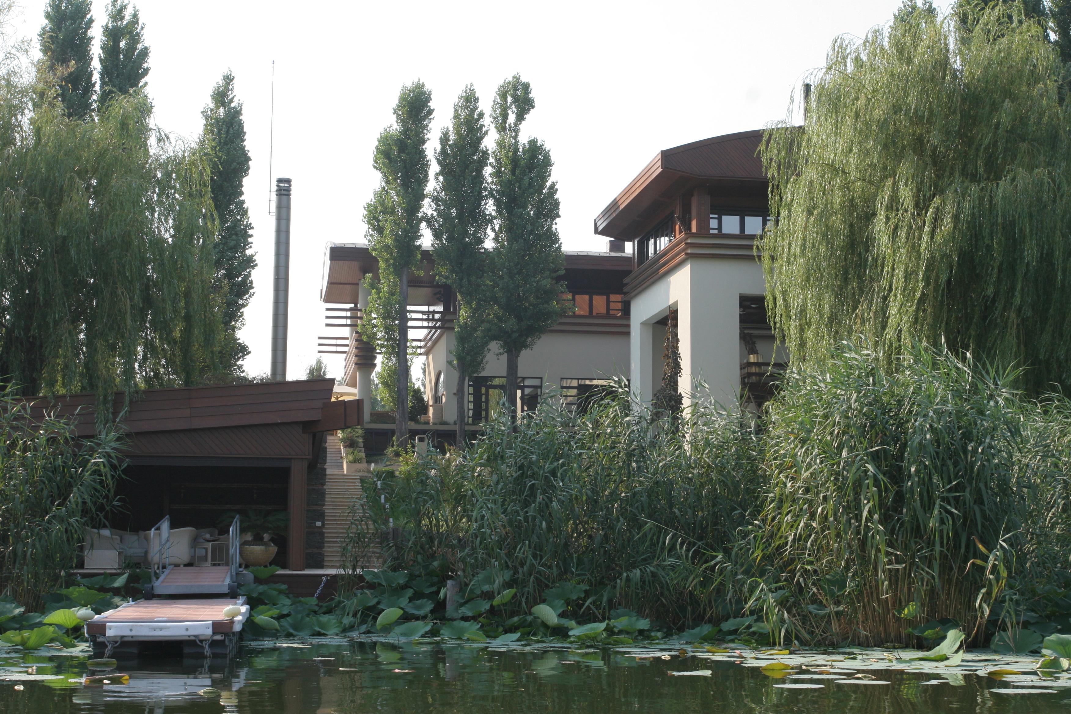 Proprietatea de la Snagov a sotilor Patriciu valoreaza cateva milioane bune de euro