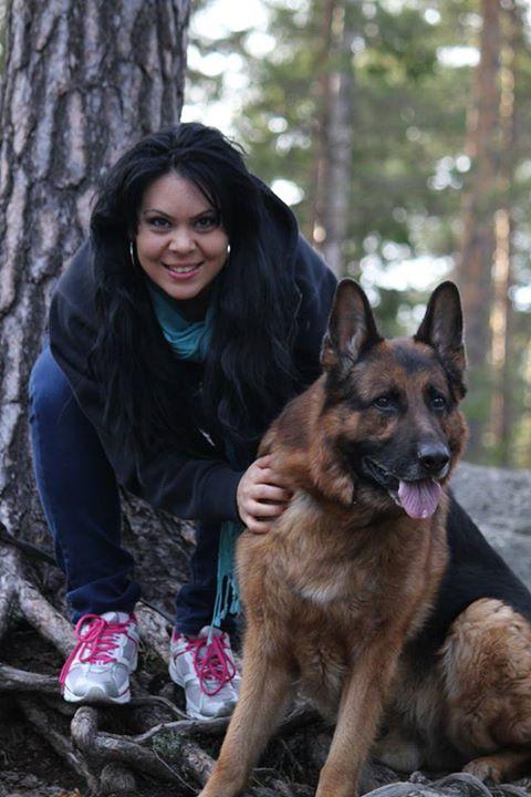 Diana si sotul ei sunt mari iubitori de animale si pe viitor si-ar dori sa deschida un adapost pentru maidanezii din Romania