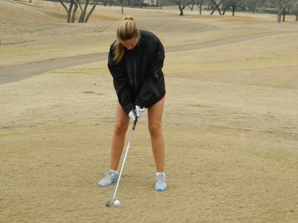Oana practicand golful