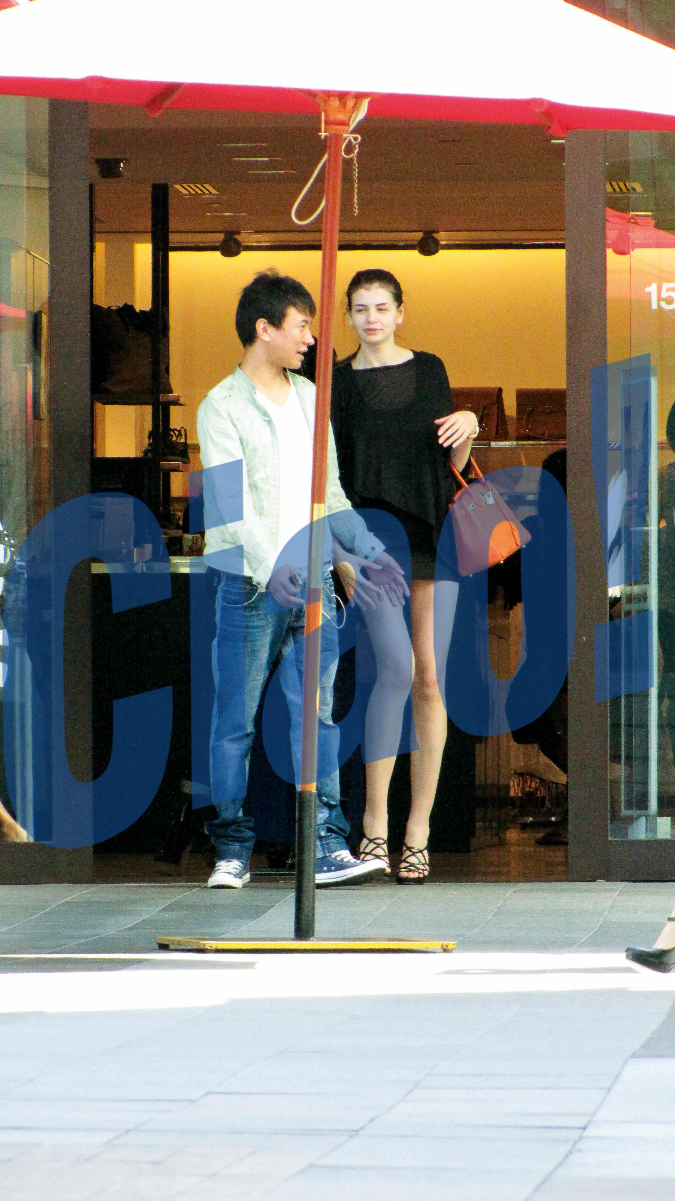 Monica Gabor si iubitul ei chinez