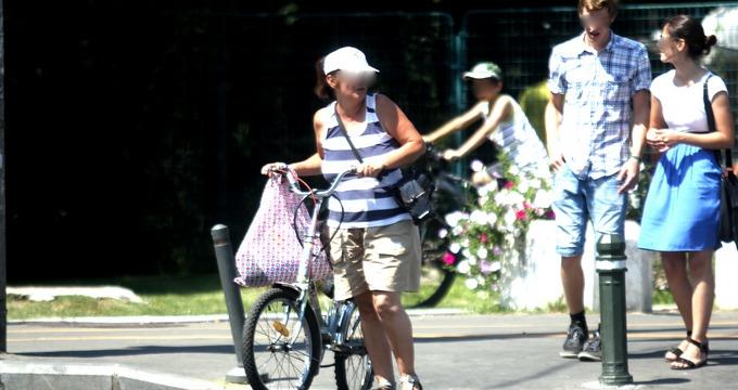 Mioara Iordache unii dintre putini biciclisti care respecta noul cod rutier