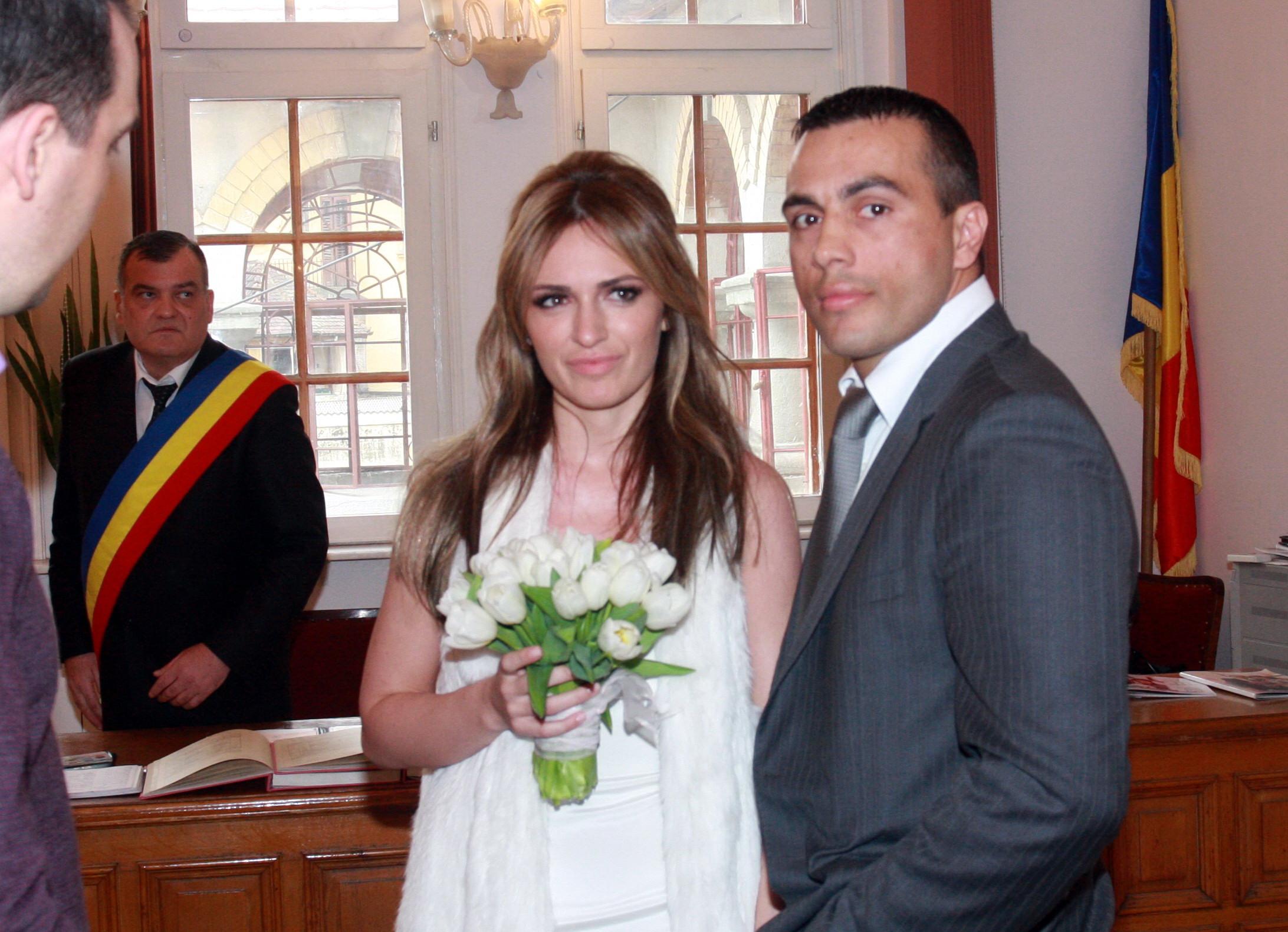 Maria Marinescu si Frank Colin s-au casatorit in 2009 si au impreuna un baietel