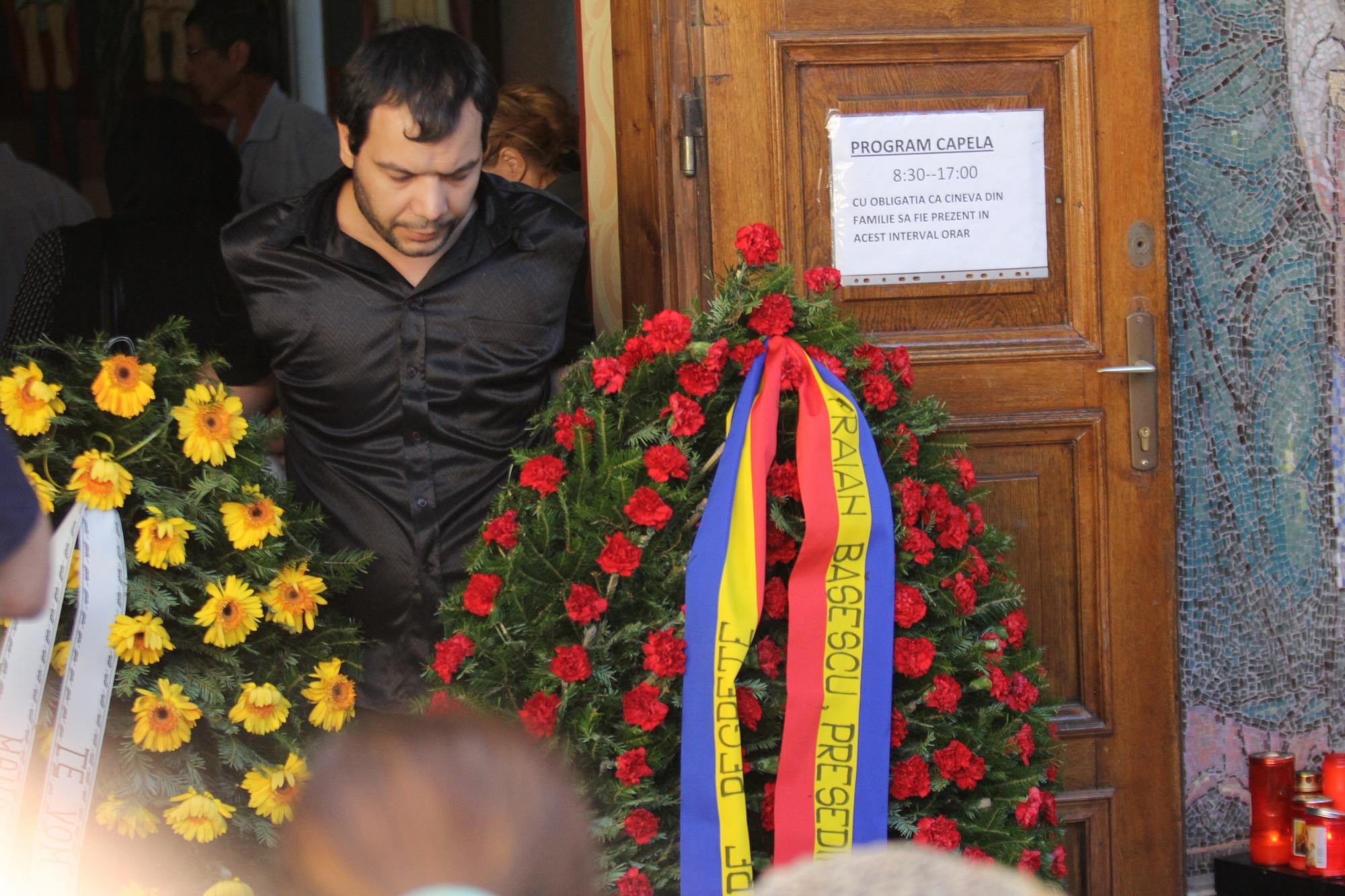 Valentin Anghel, tatal ingerasului omorat de maidanezi, era distrus de durere