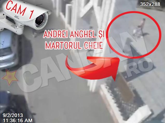 Ora 11.36. Andrei intra in parc tinut de mana de un barbat. Imaginea e surprinsa de camera de supraveghere numarul 1