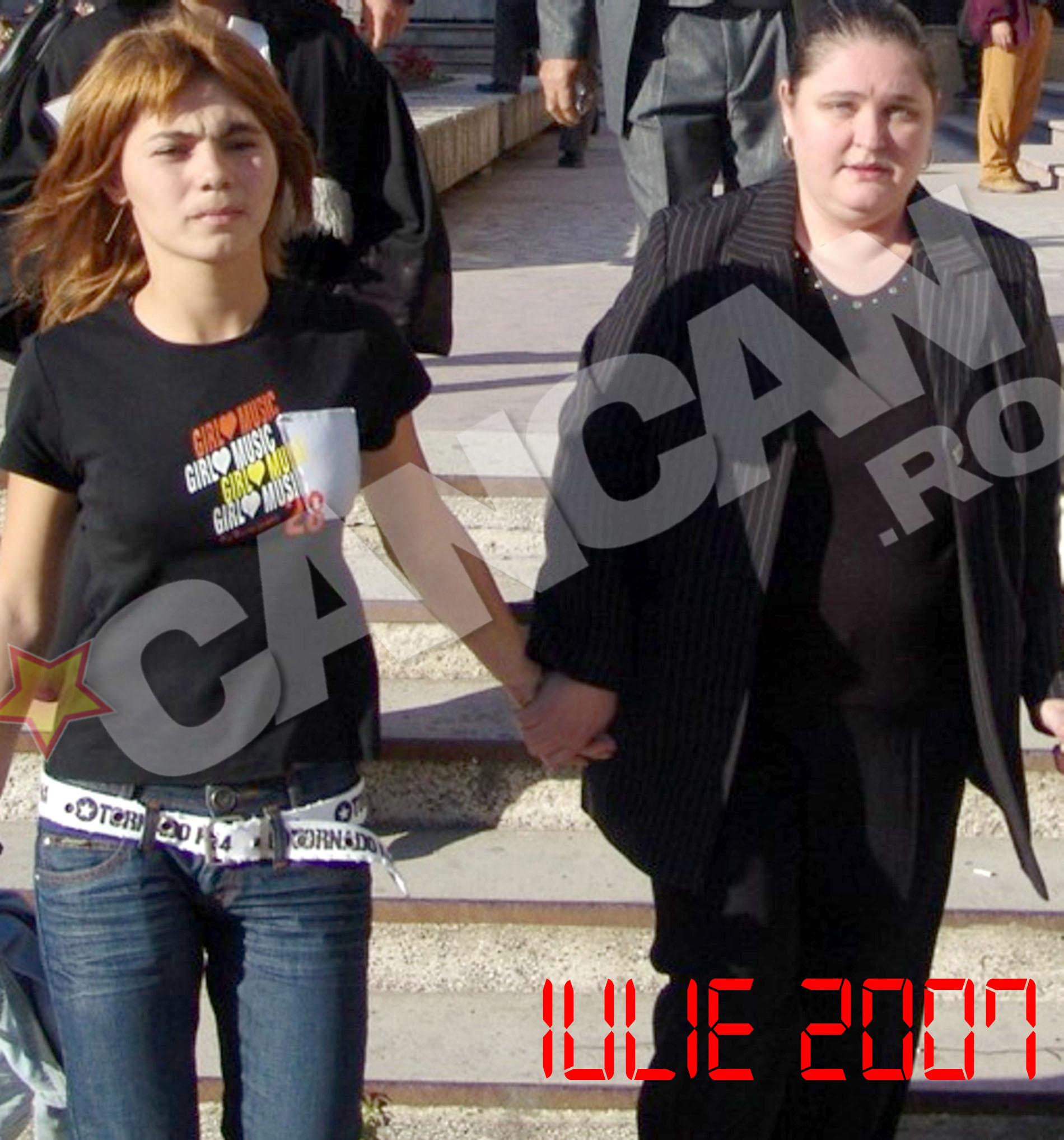 Desi i-a nenorocit familia, Silvia s-a apropiat de Carmen Paunescu
