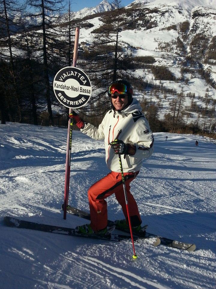 Nu doar golful se afla printre pasiunile bossului de la Rosia Montana, ci si schiul