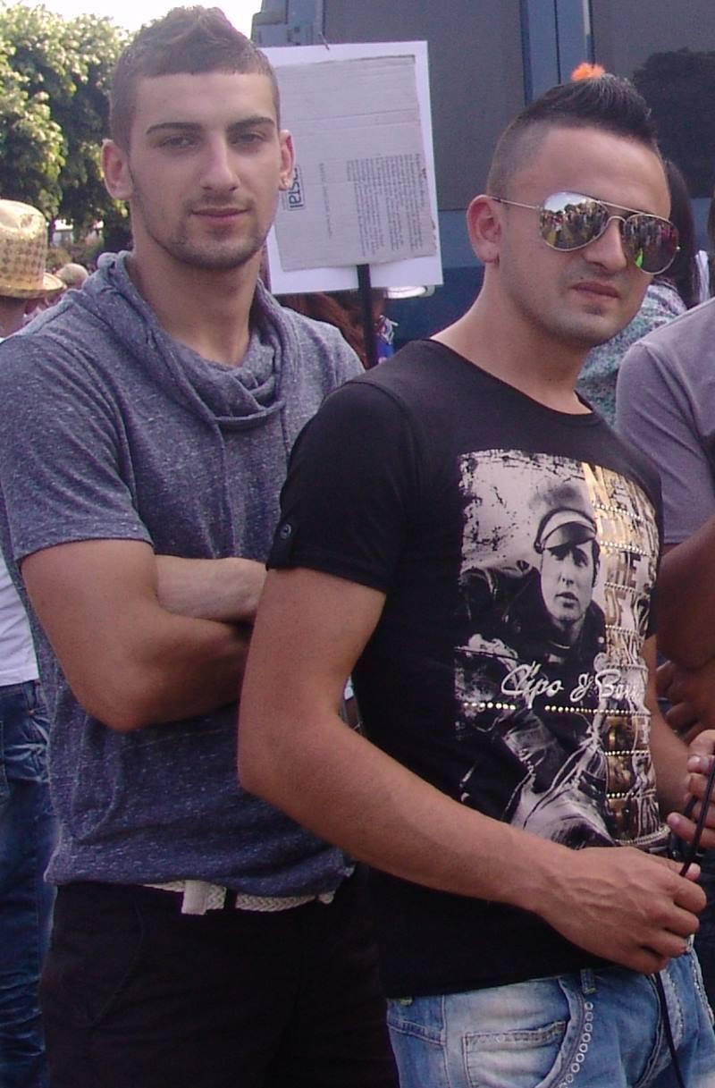Daniel (stanga) si Alin sustin ca au fost inchisi pe nedrept in Elvetia