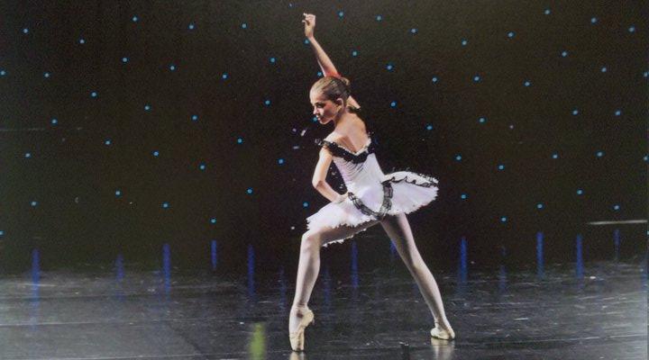 Micuta balerina in timpul unui spectacol (foto:baletromania.ro)