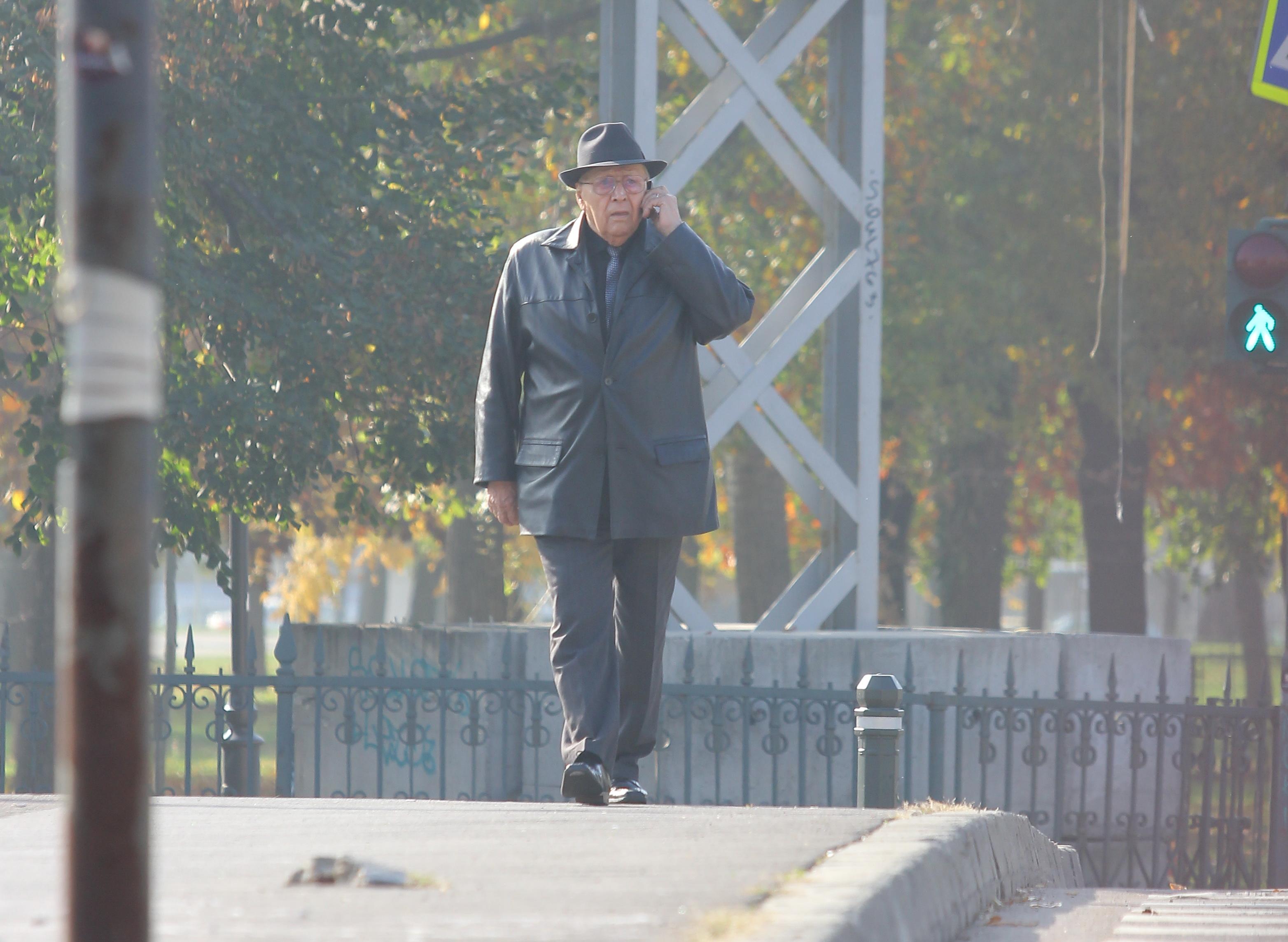 La scurt timp dupa ce a plecat de la Parchet, fostul comandant de la Periprava a discutat cu cineva la telefon