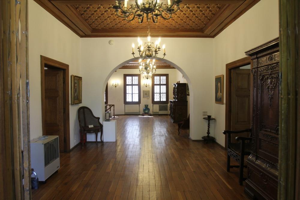 Casa a fost construita initial pentru un boier Spatar