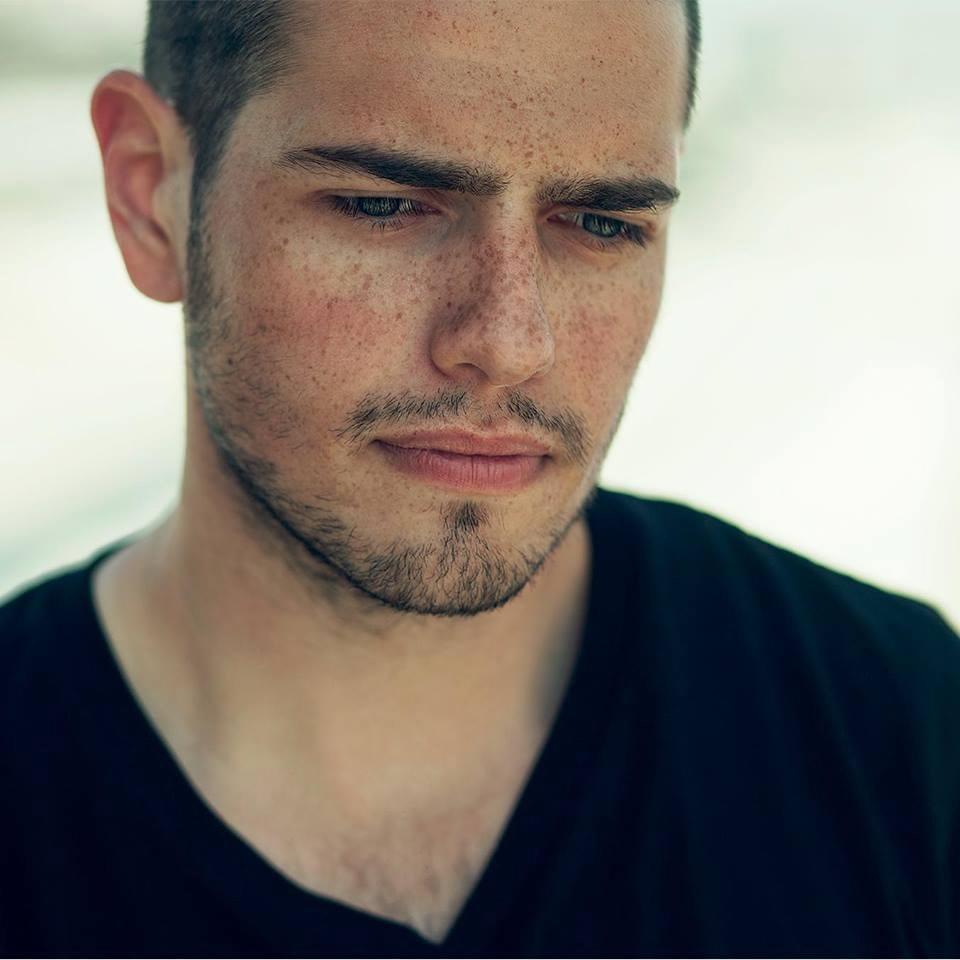 Regizorul roman urmeaza sa faca mai multe videoclipuri pentru artisti din Romania