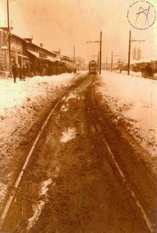 Linia de pe Stefan cel Mare curatata de zapada cu tramvaiul