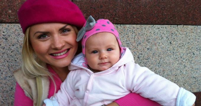 Pentru Ianna, acesta a fost primul Craciun alaturi de fiica ei, Erika Maria. Micuta tocmai a implinit sase luni