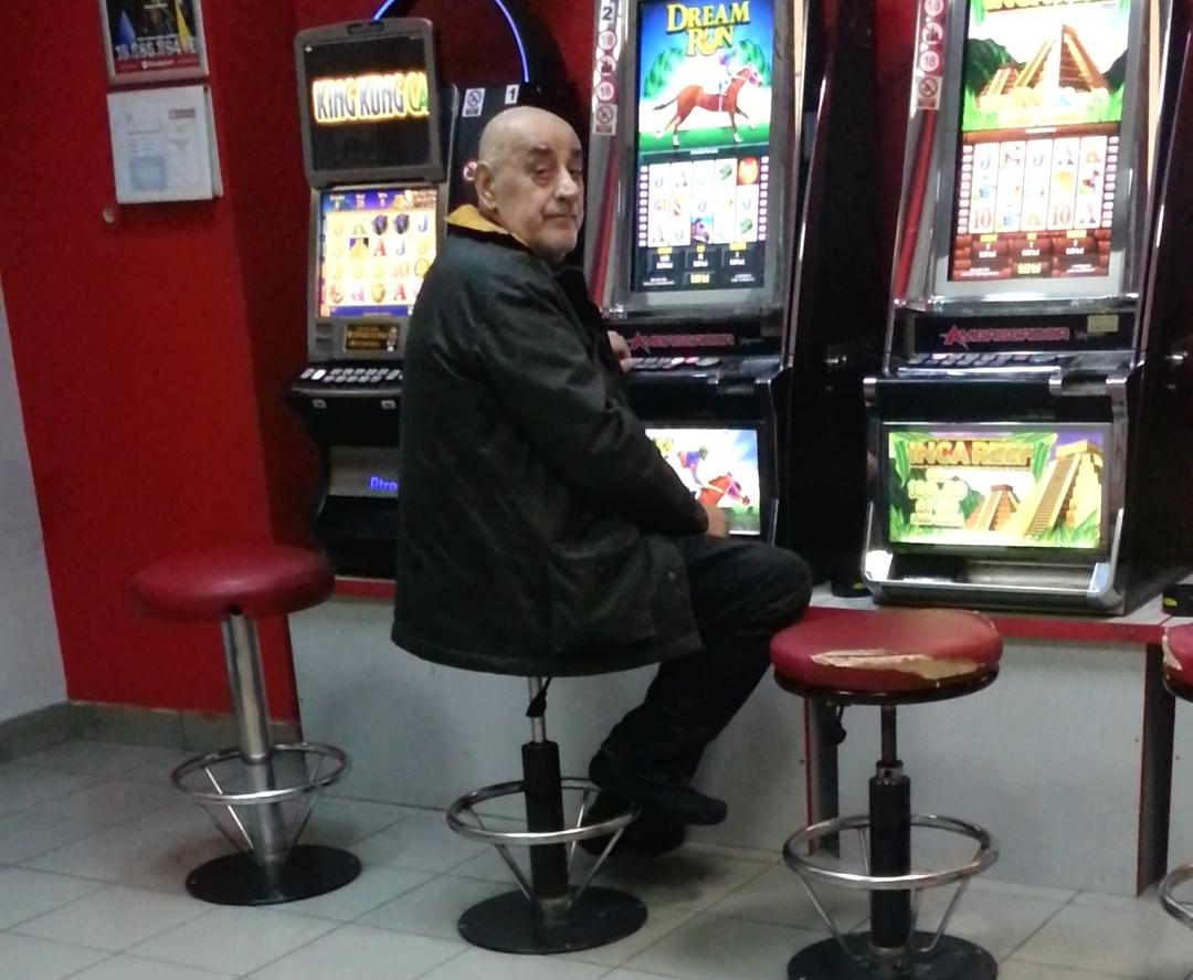 Nici persoanele publice nu au scapat de patima sloturilor