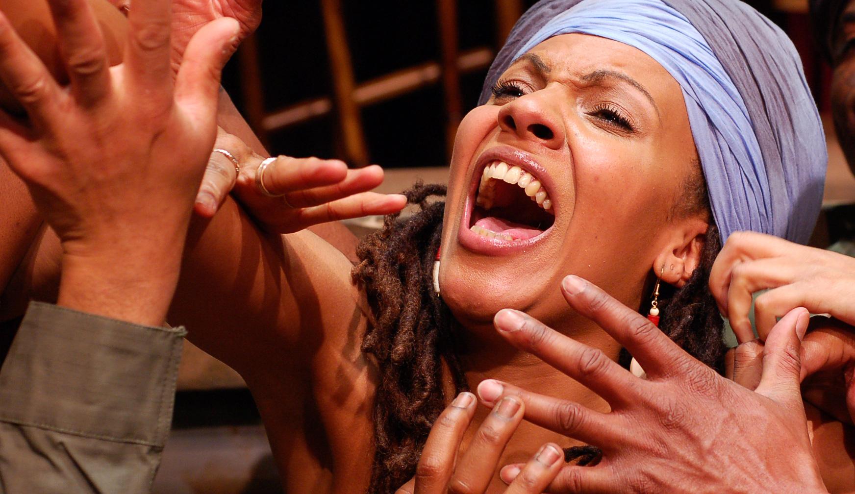 Mulatra a fost admisa in Uniunea Actorilor de Teatru din America