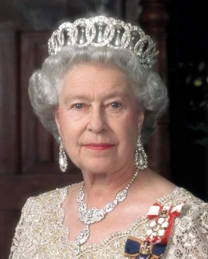 Regina Elisabeta a II a afost data in judecata de catre o romanca