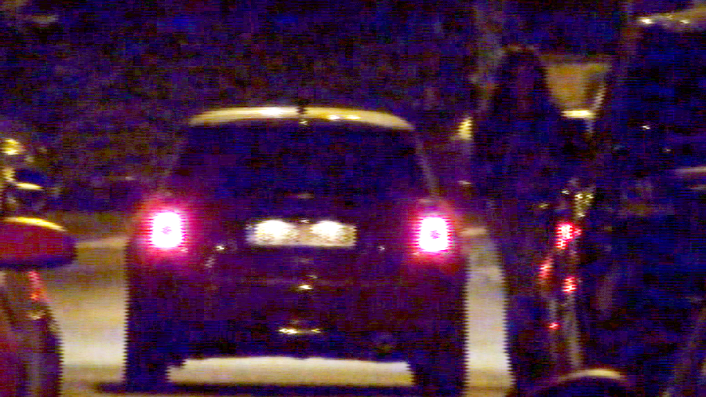 Inainte sa plece acasa, Alina a mai stat de vorba in masina cu prietena ei