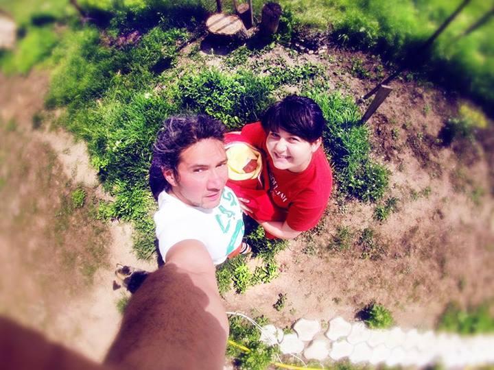 Bogdan si Elena s-au fotografiat alaturi de micuta lor