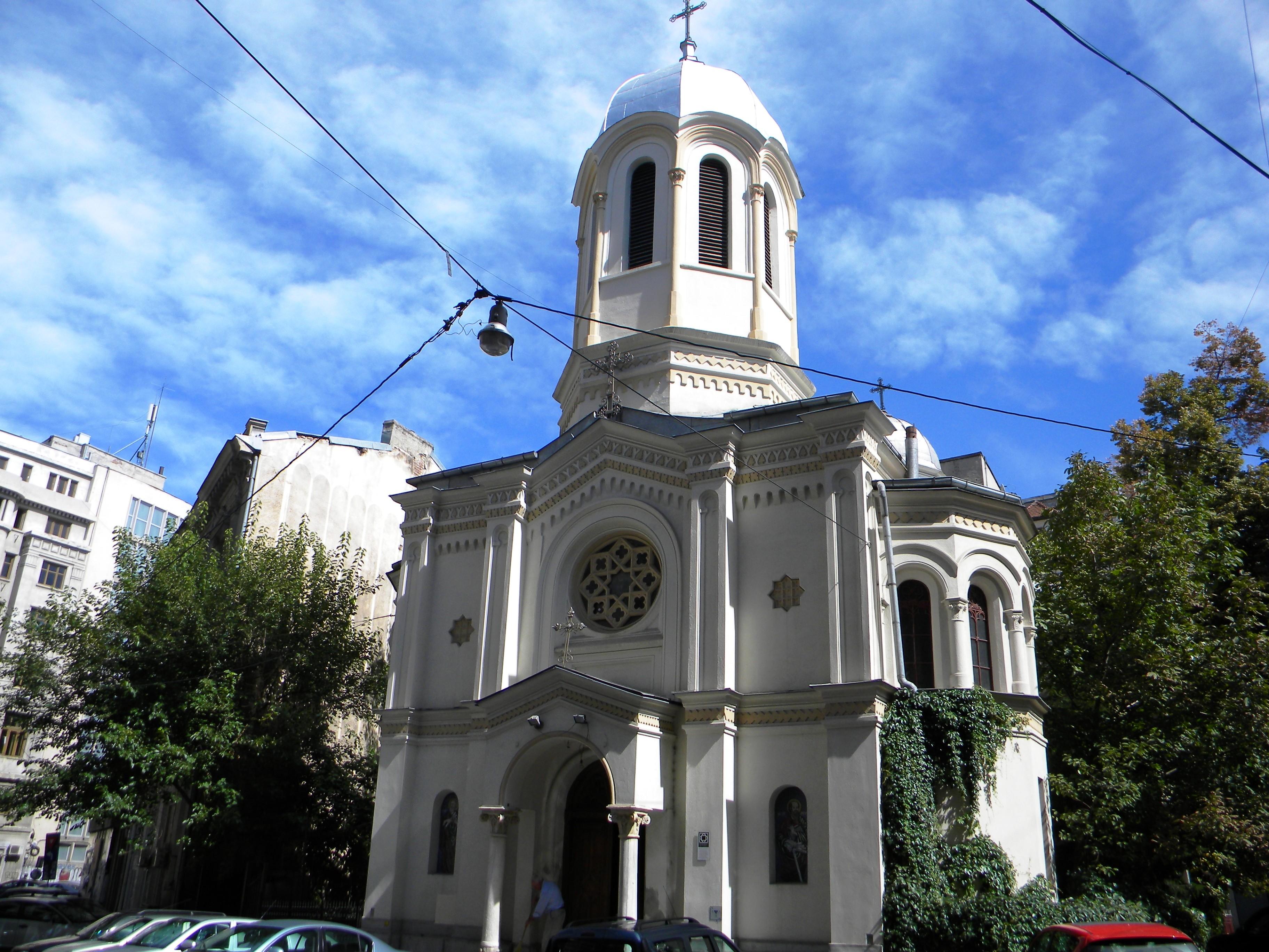 La Biserica Sf. Nicolae Selari vin sa se roage multi elevi si studenti care au de dat examene