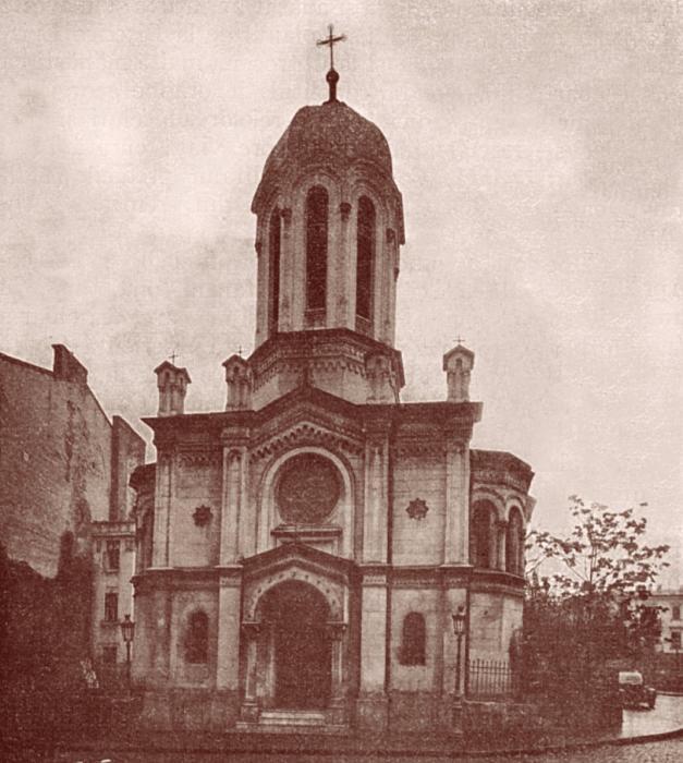 Principalul ctitor al Bisericii Sfantul Nicolae Selari este paharnicul Serban Cantacuzino
