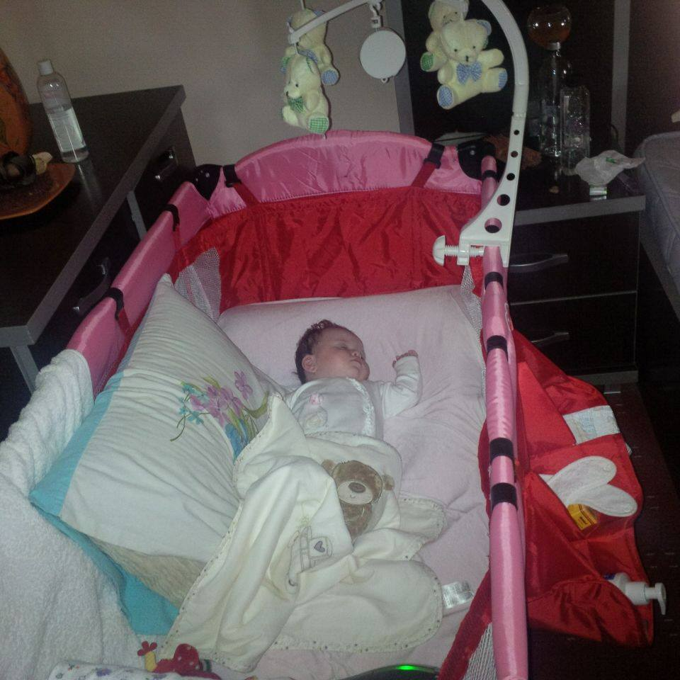 Fetita Oanei Roman se simte foarte bine in prima ei vacanta