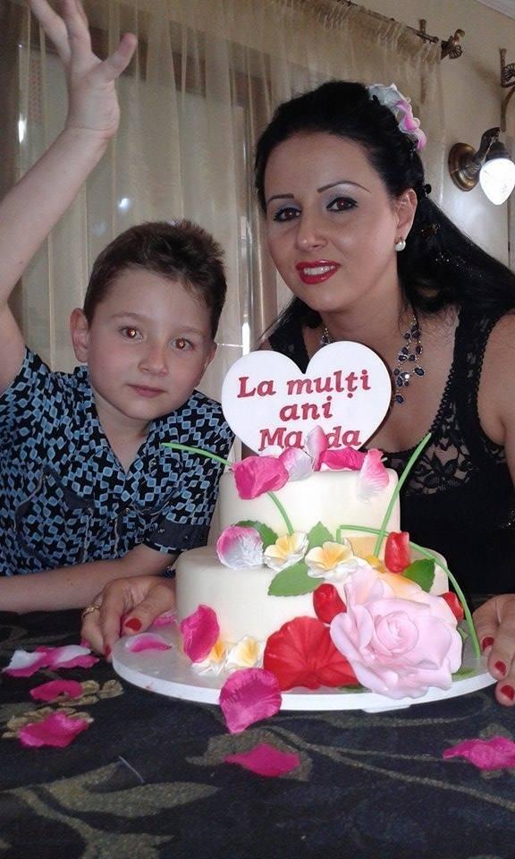Magda a primit de la iubit un tort fix pe gustul ei