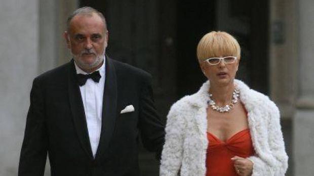 Dinu patriciu a fost casatorit timp de 20 de ani cu Dana