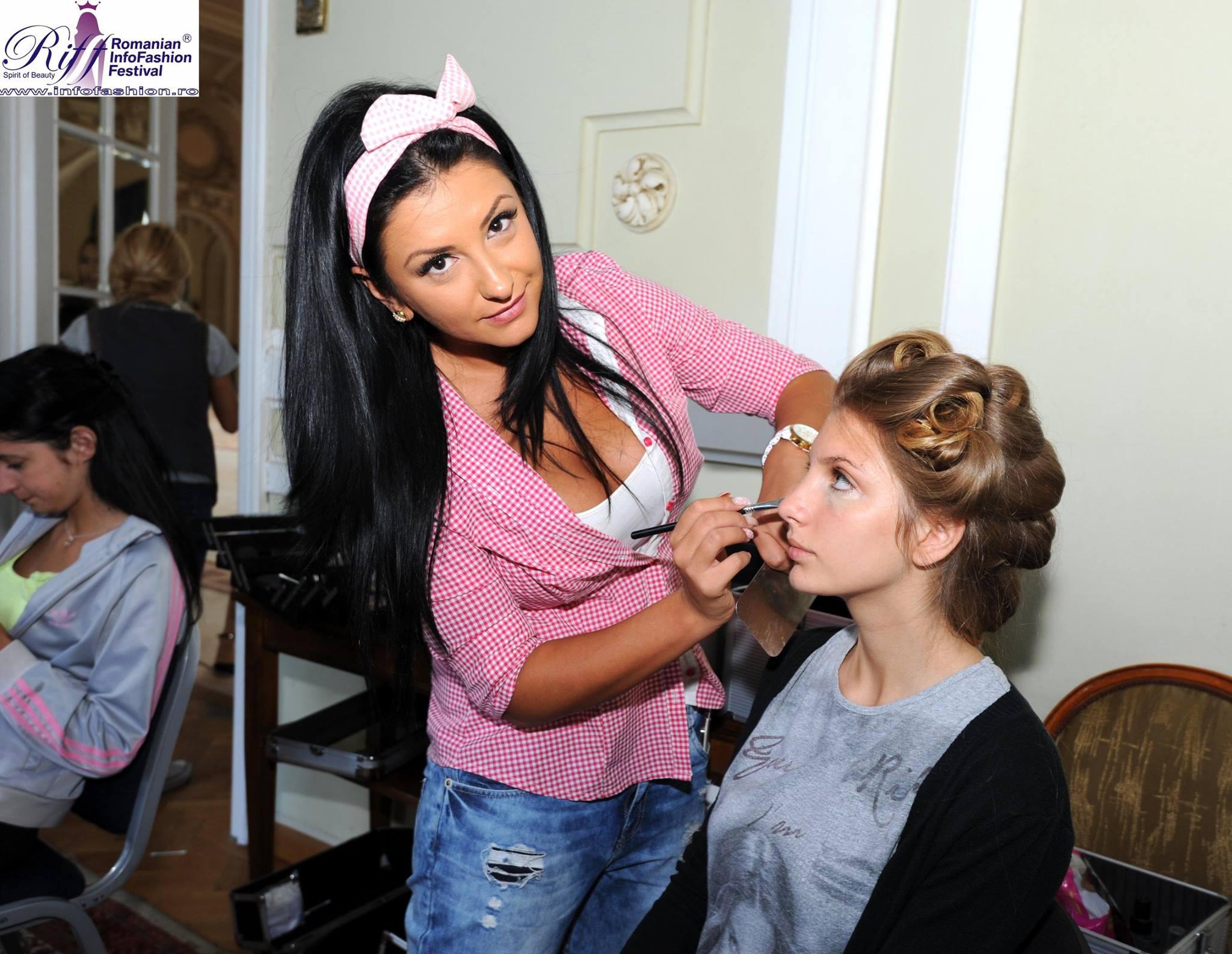 Oana a urmat cateva cursuri si scoli de make-up