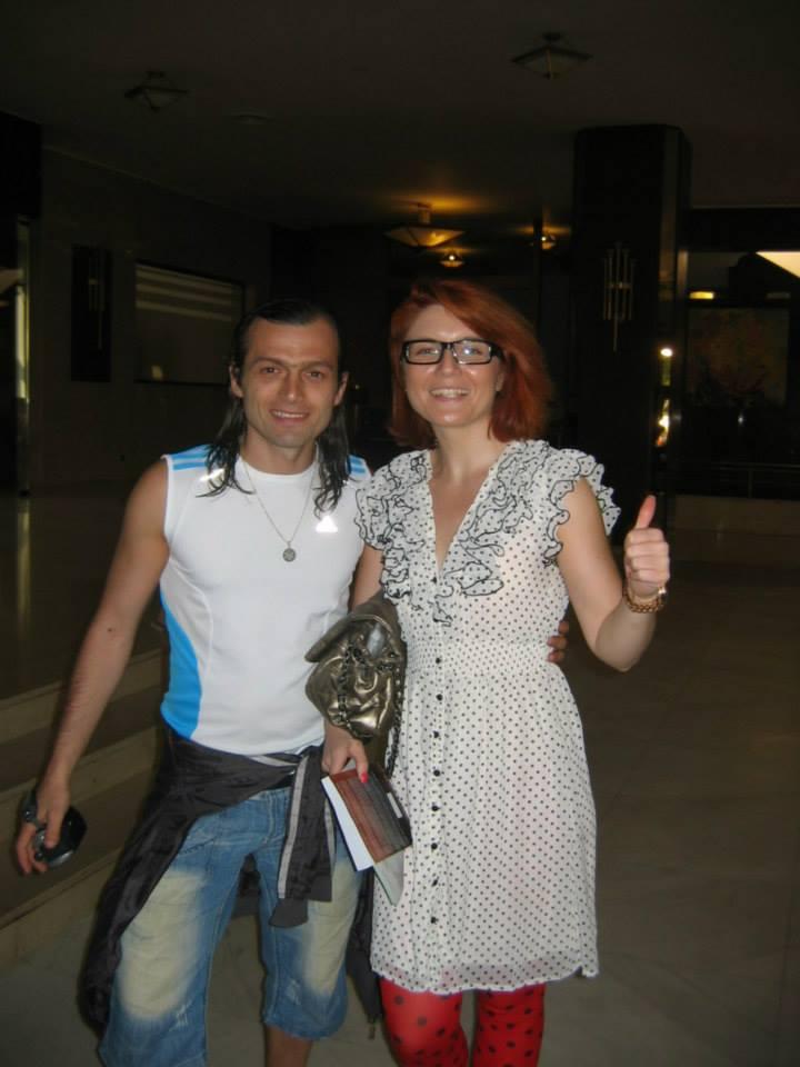 Alexandra Ungureanu pare sa ii accepte cu usurinta pe mesagerii elohimilor