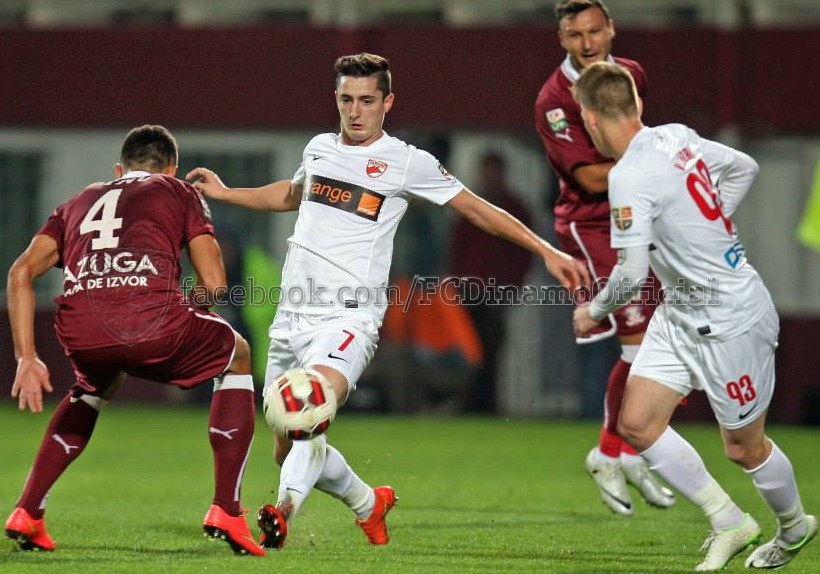 Filip a jucat cu doua numere in meciul cu Rapid, 7 si 77!