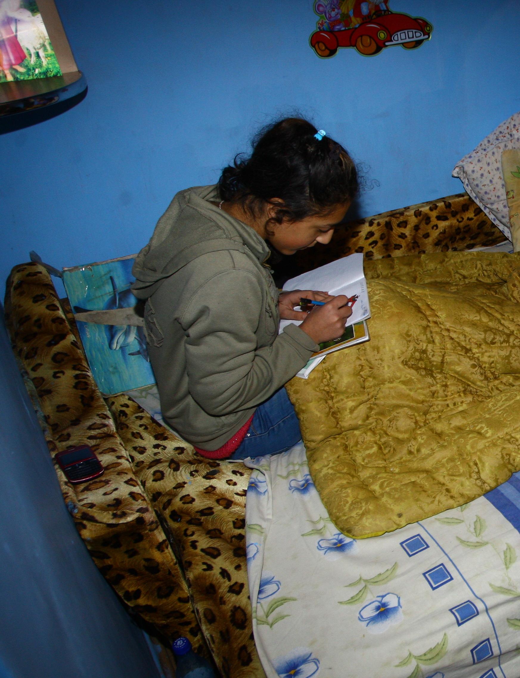 Fetita bolnava de epilepsie viseaza sa ajunga avocat