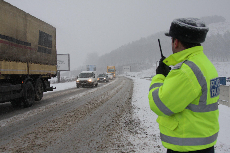 Politistii au supravegheat traficul pe principalele drumuri