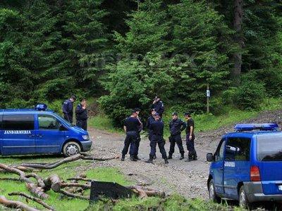 Jandarmii au blocat drmurile de acces