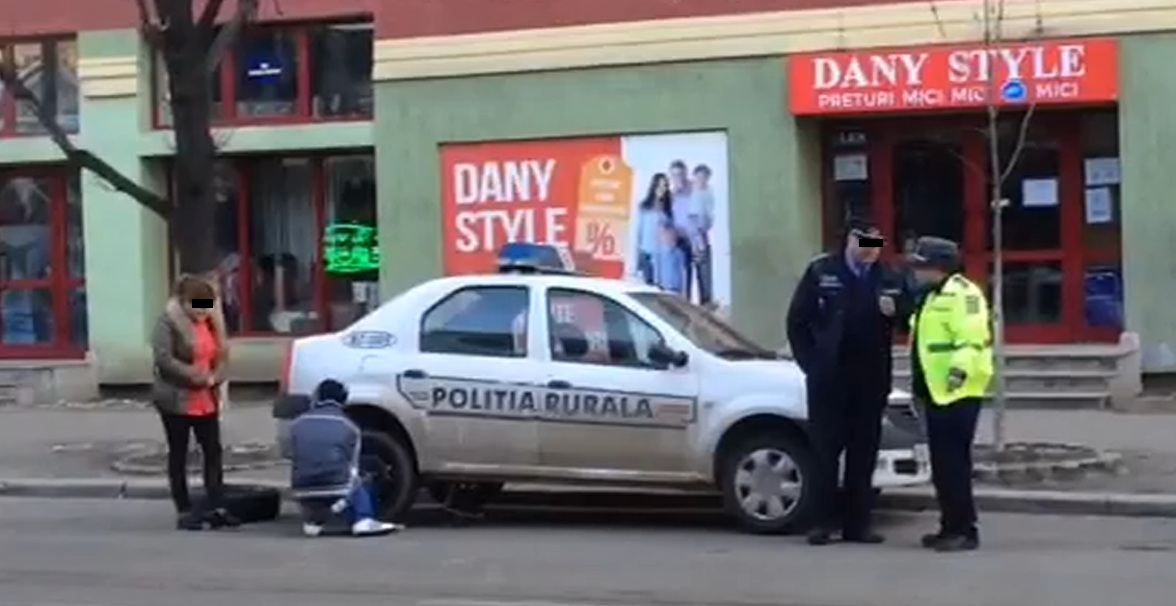 Baiatul a fost pus sa rezolve pana politistilor